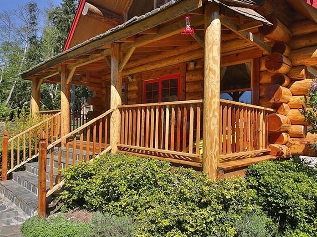 деревянный дом из рубленого бревна