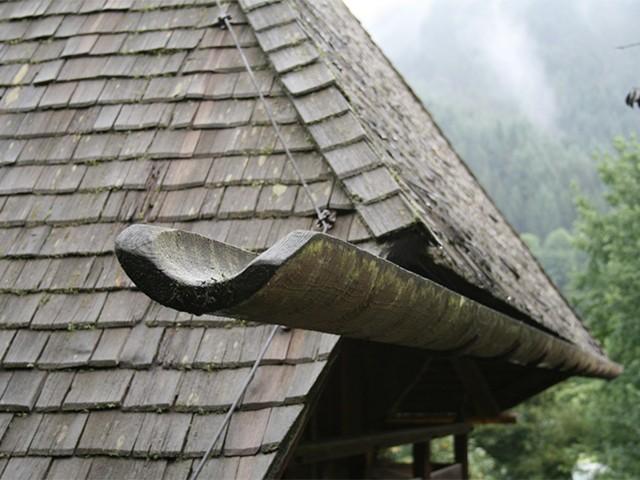 деревянный водосток