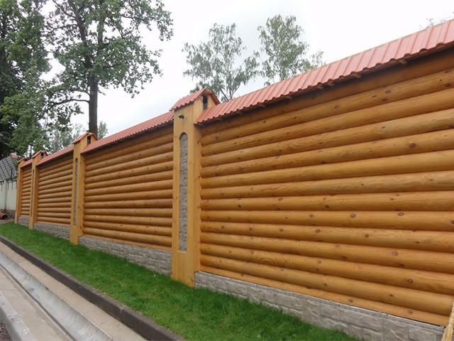 деревянный забор из бревна