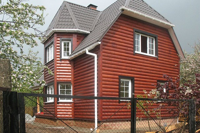 блок-хаус во внешней отделке дома