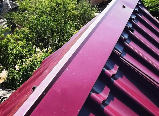 конек на двускатной крыше