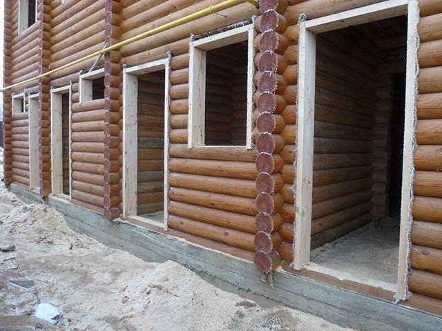дверные блоки деревянного дома