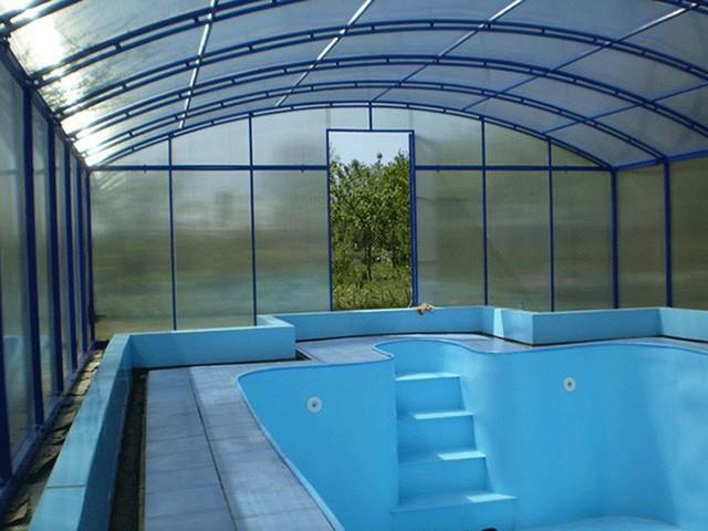 бассейн с навесом