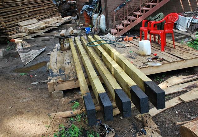 обработка деревянных балок перекрытия