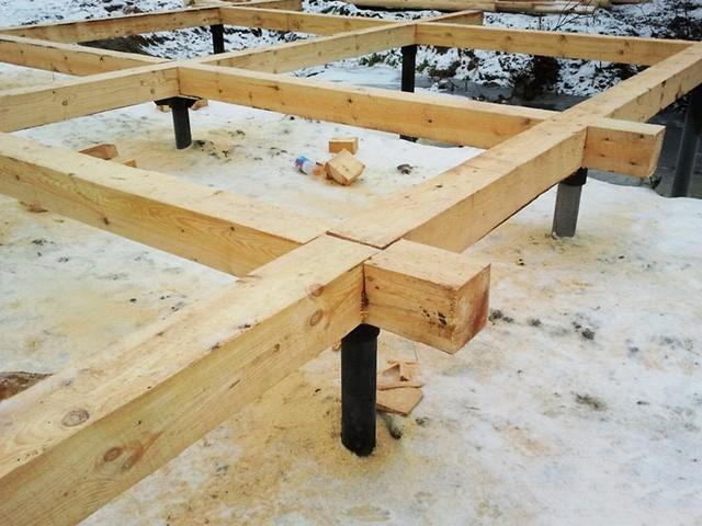 деревянный ростверк на сваях